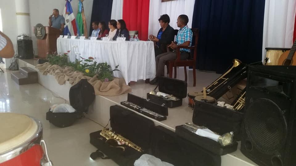 Autoridades de Sabana de la Mar firman acuerdo con la Escuela de Musica José Feliú